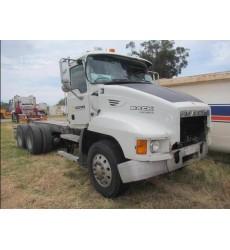 Heavy Duty Trucks - Salvage Trucks